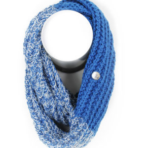 foulard-pleau-150411-bleu-bijoux-blanc